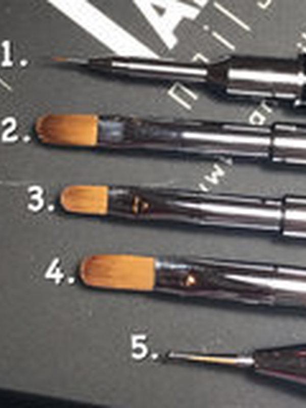 Gel penseel 8 (4. op foto)